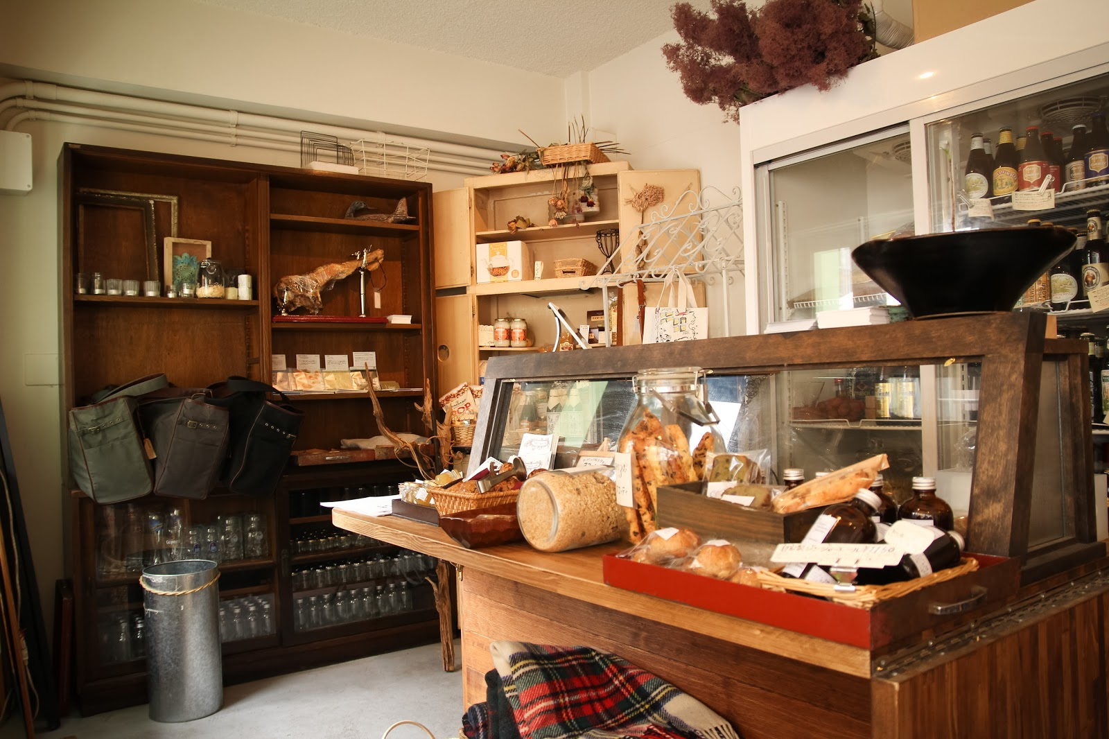 COUZT CAFE + SHOP(コーツトカフェ)にて
